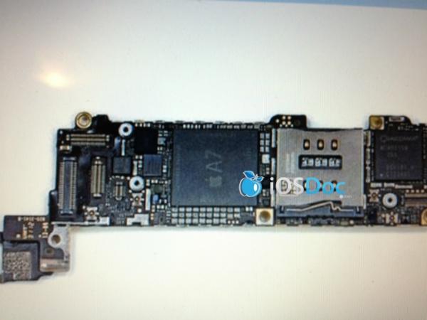 【謠言】iPhone 5s 主機板曝光!搭載了傳說中的 Apple A7 四核心處理器和 2GB 記憶體!