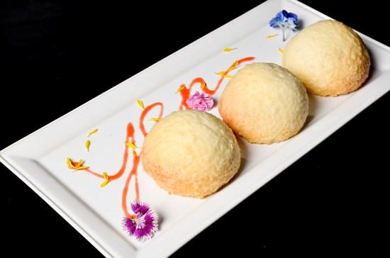 20131130台北W飯店 紫艷中餐廳 雪山菠蘿叉燒包