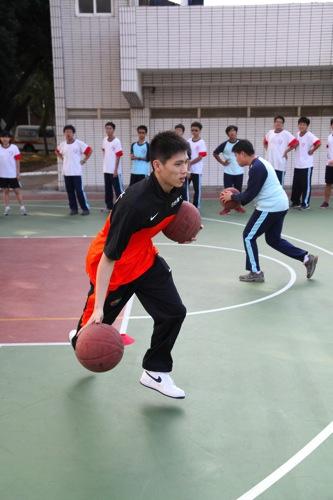 20131207台灣大賴桂林收起笑臉,認真教學 copy