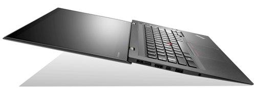Lenovo聯想新聞圖說二-新一代ThinkPad X1 Carbon輕盈身形搭配豐富內裝,滿足使用者行動及商務雙重需求