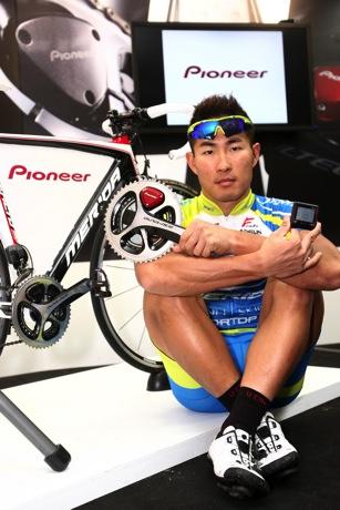 Pioneer Cyclesports_巫帛宏出席示範新一代Cyclesports踏板效率監控系統1 copy