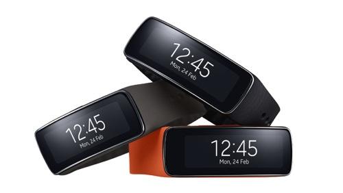 Samsung Gear Fit為搭載首款曲面Super AMOLED,揉合時尚風格、健身功能與便利性,提供行動消費者同享超凡連線能力 copy