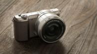 Sony 推出全球最小的可交換鏡頭式數位相機【α5100】,重量僅 224 克, […]