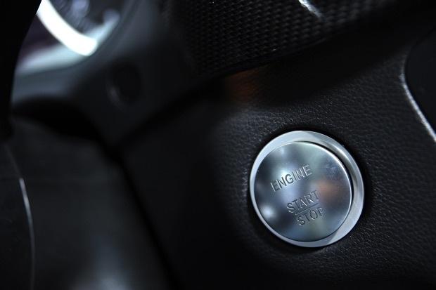 2015全車系標配KEYLESS-GO引擎啟動功能 copy