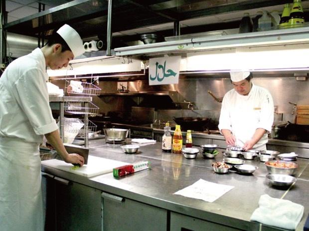 2015食材、調味料到用餐區域等,均通過穆斯林Friendly餐飲認證 copy