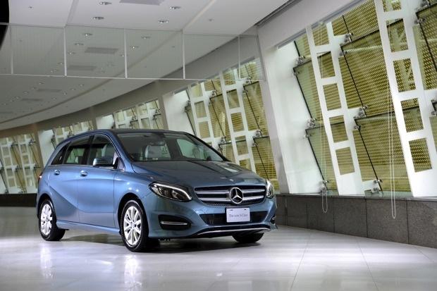 B 180汽油車款價格為新台幣156萬元起 copy