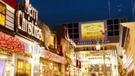 海港城是香港最大型的購物中心。海港城海運大廈露天廣場每年的戶外聖誕燈飾佈置更是香 […]
