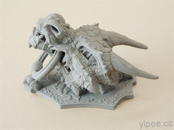 enter-dragon-knocker-3d-printed-door-knocker-artist-sonia-verdu-latest-fiery-creation-3