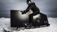 這輛純黑設計方形的東東,是美國設計師 Joey Ruiter 設計,結合雪地摩托 […]