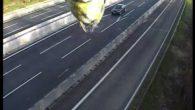 開車或騎車出門,最怕的就是違規超速被測速照相機拍下來,但是這次英國超速攝影機拍到 […]