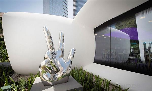 dubai-unveils-3d-printed-office-of-the-future-completed-in-just-17-days-5