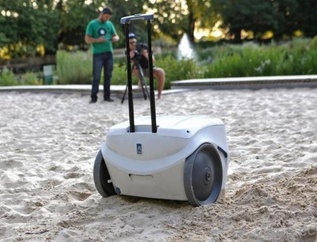 nipi-smart-cooler-and-solar-generator-7078