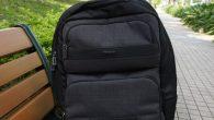 對一般需要攜帶筆電的上班族或商務人士而言,擁有一個輕便又合身的背包是很重要的。有 […]