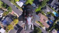 當全球多家車廠都還在測試飛行車的同時,以製造噴射背包而知名的加州新創公司 Jet […]