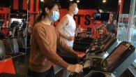 武漢肺炎疫情期間,不少人在運動時、無論室內或戶外,都戴著口罩,但這樣好嗎?戴著口 […]