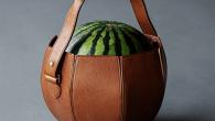 為了讓媽媽們上超市或菜市場買西瓜也能有時尚風格,主打日本職人手工製作包款的土屋鞄 […]