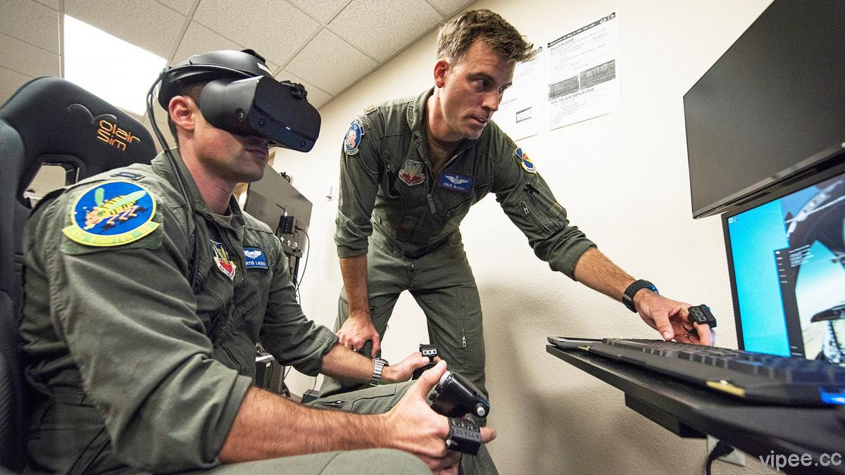 美國飛行員最新訓練方式,飛行模擬遊戲搭配 VR 頭盔