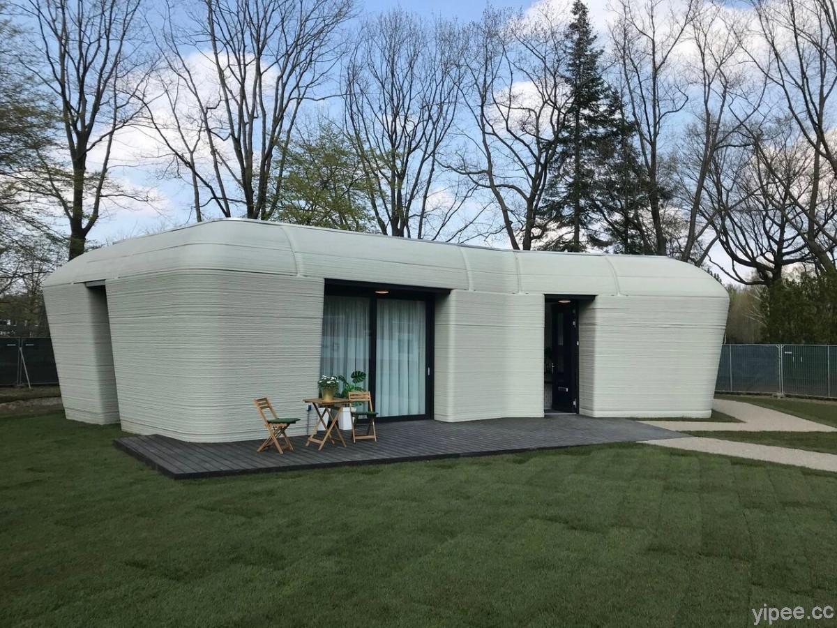 荷蘭首間 3D 列印房屋只花 5 天就興建完成,幸運的退休夫妻成首位住戶!