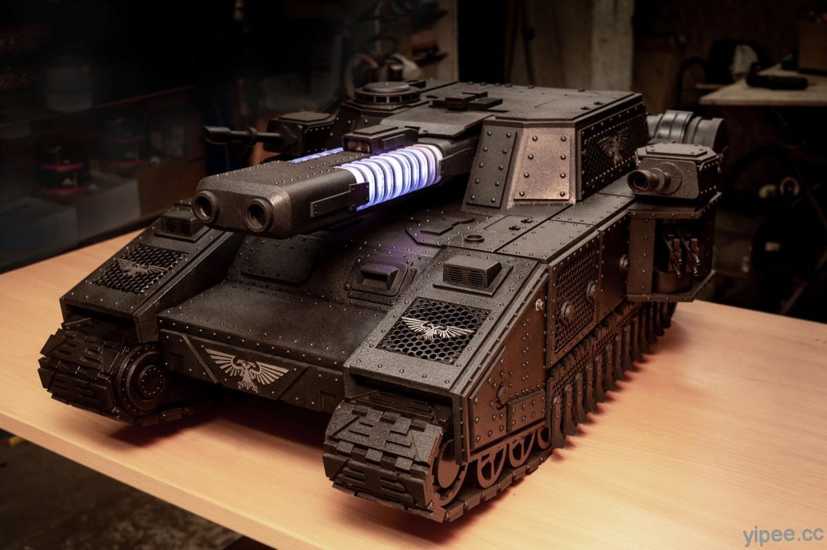 《戰鎚40000》超重型坦克變成超酷的 PC 機殼,還有 RGB 電漿炮