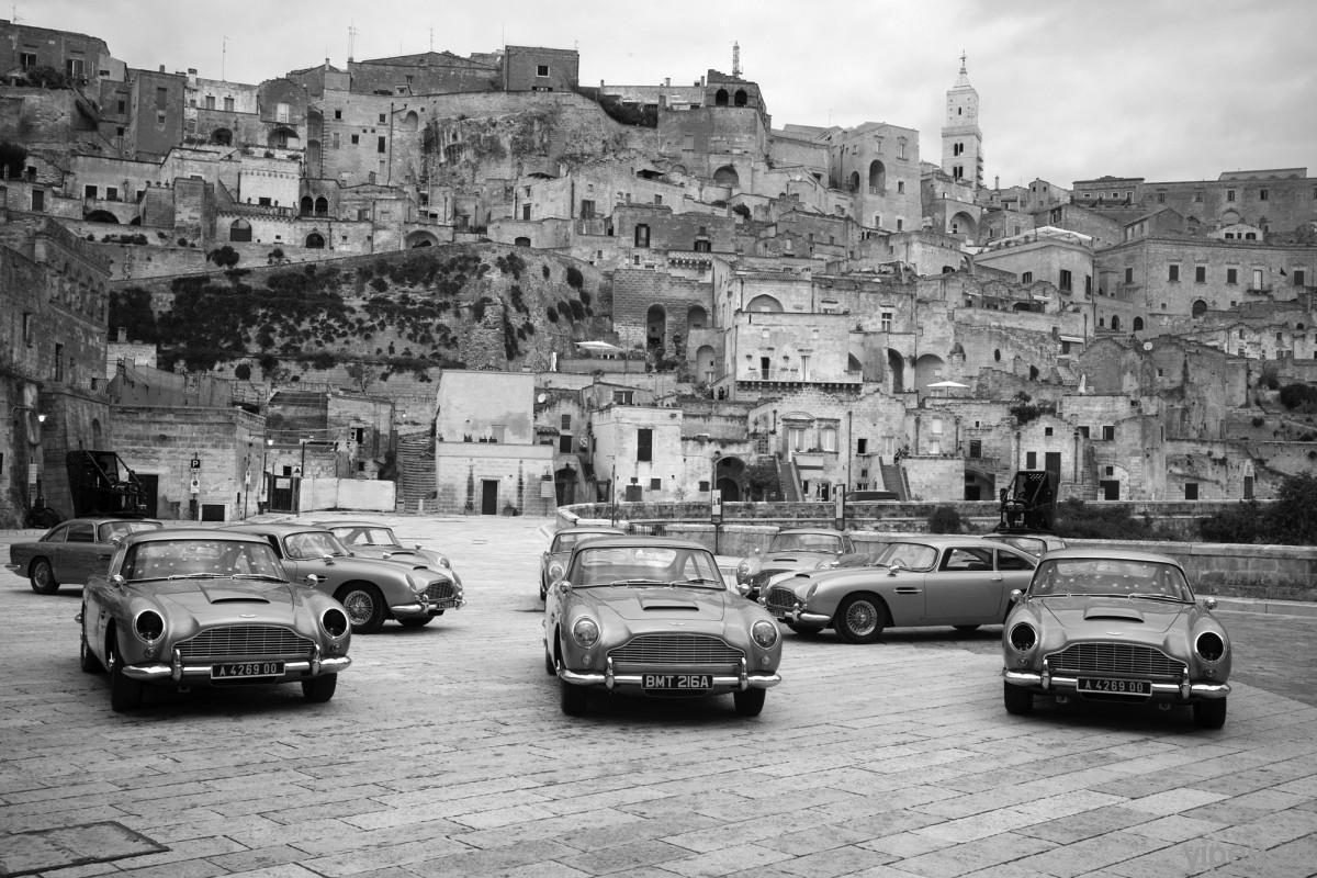 龐德新作《007生死交戰》上映,徠卡推出「007限量版」相機以及攝影展