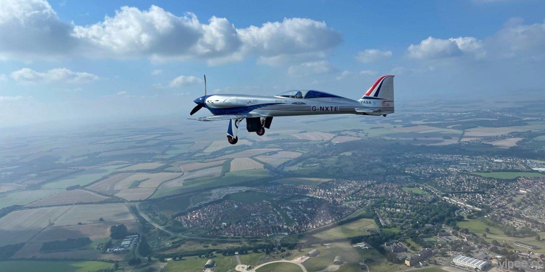 勞斯萊斯全電動飛機首航成功,在英國威爾特郡上空飛行 15 分鐘