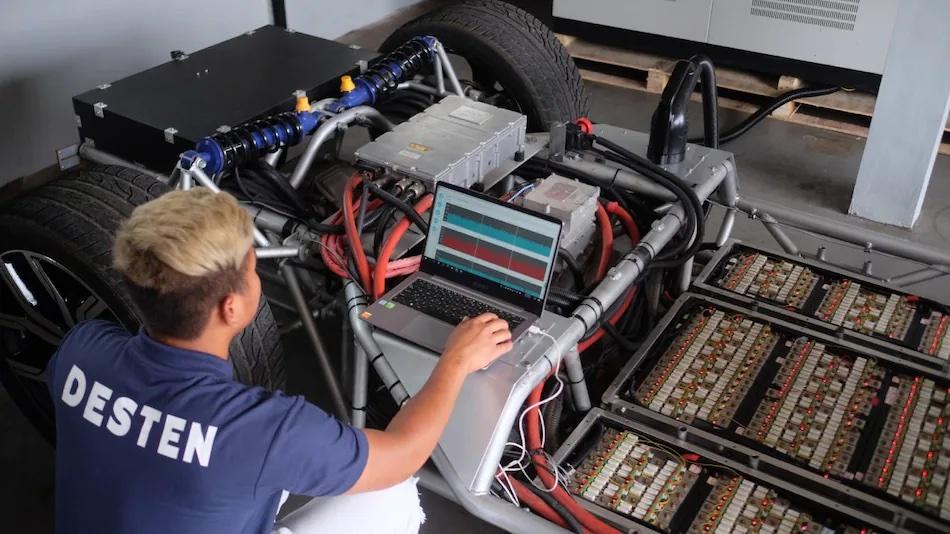 超強電動車快充技術,號稱 5 分鐘可充 80% 電力、續航里程達 500 公里